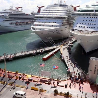 Inspeccionan cruceros en San Juan por amenaza de bomba