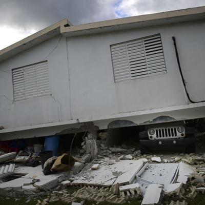 Familias desplazadas por sismos reclaman acción del gobierno