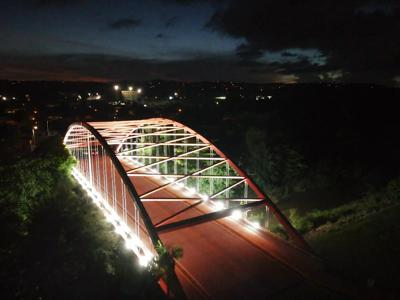Reinagura puente sobre el río Humacao