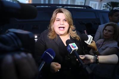 Jenniffer González se recupera de percance de salud