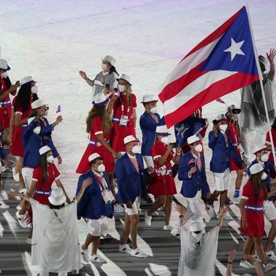 Se enciende el pebetero olímpico en Tokio en una emotiva ceremonia