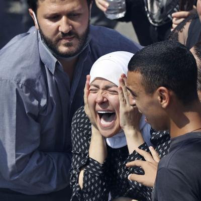 Libaneses lloran a sus muertos a una semana de la explosión