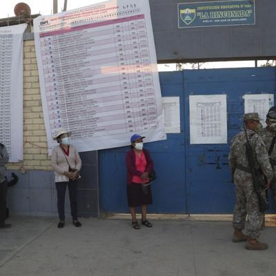Perú busca presidente en pandemia y con votos fragmentados