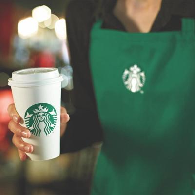 Starbucks comenzará a recibir clientes