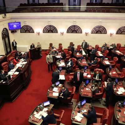 Senado aprueba devolver la independencia a Ciencias Forenses