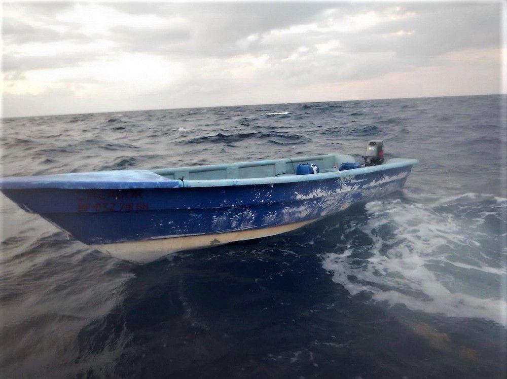 Guardia Costera interviene con 19 inmigrantes