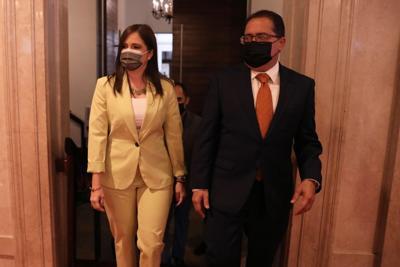 Eileen Vélez vega y José Luis Dalmau