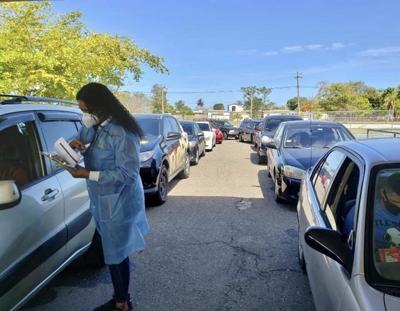 El alcalde de Isabela anuncia un evento de vacunación contra el covid-19 por servicarro