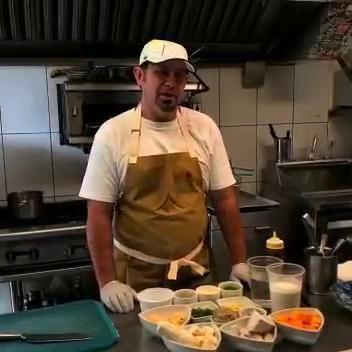 Chef Pedro Torres elabora Caldo Santo