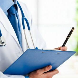 Médico boricua brinda becas a estudiantes de Medicina de la UPR