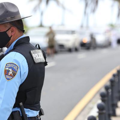 Caravana exige cierre del aeropuerto