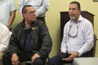 Alcaldes critican lenta respuesta ante emergencia por sismos