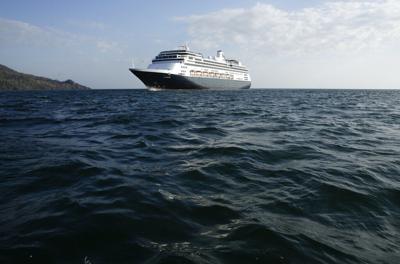 Crucero con casos de Covid-19 se dirige a Estados Unidos