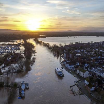 Gran Bretaña se prepara para más inundaciones tras tormenta