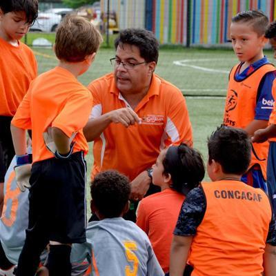 Ambicioso proyecto para niños y niñas en el fútbol