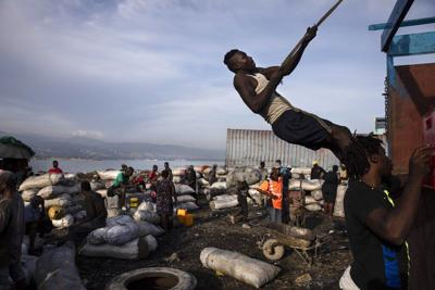 Renuncia un enviado de Estados Unidos a Haití debido a expulsiones de haitianos