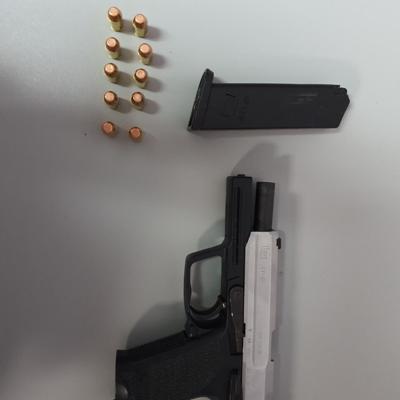 Policía detiene a sujeto armado en Manatí