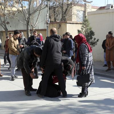 Matan a tiros a dos juezas en la capital afgana