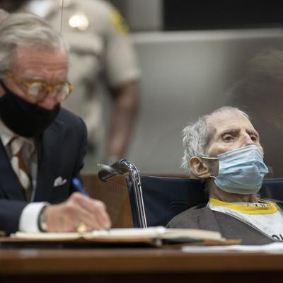 Hospitalizan con covid-19 a un empresario condenado por asesinato