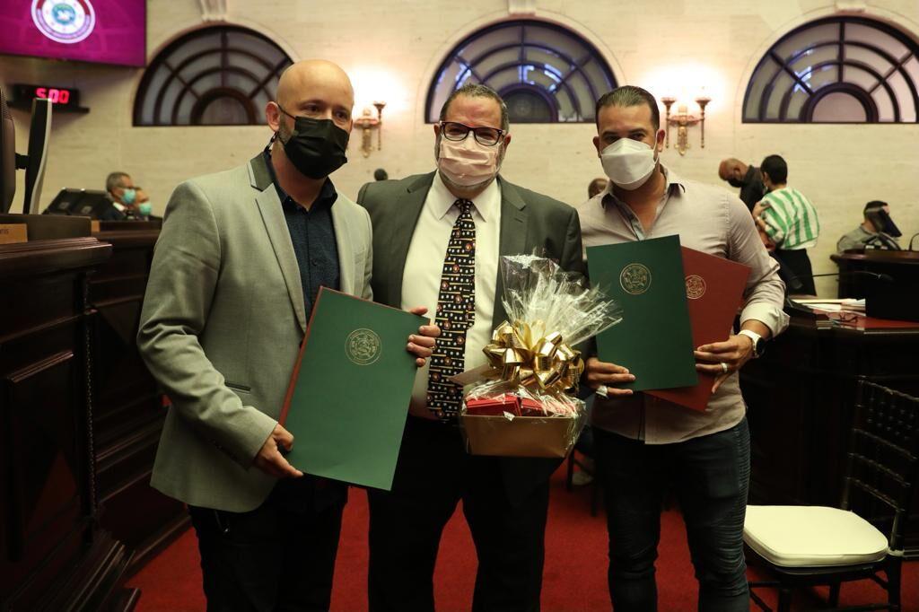 Senado reconoce a Los Criollos de Caguas