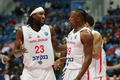 John Holland regresa a jugar a Israel