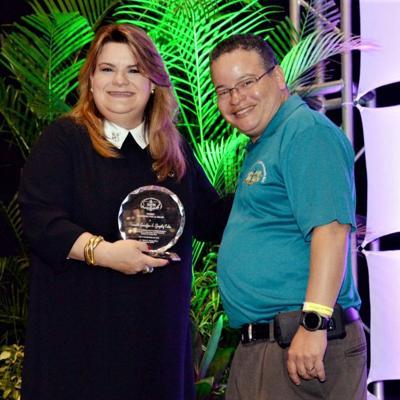 Colegio de Médicos reconoce a Jenniffer González