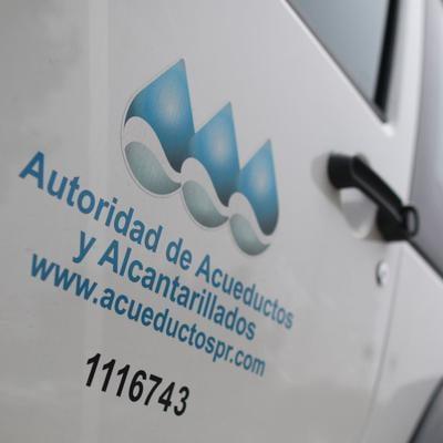 Asaltan a empleado de AAA para robarle su vehículo