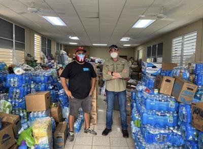 Llenan diez camiones con ayuda para afectados por Isaías en Mayagüez
