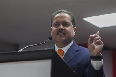 """José Luis Dalmau asegura que no va a """"engavetar"""" medidas de las minorías"""