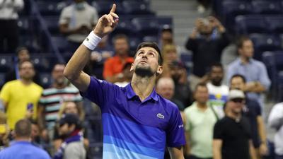 US Open: Novak Djokovic avanza a semifinales y se acerca a la historia