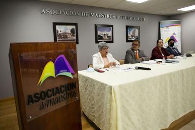 """Asociación de Maestros: """"Una vez más Educación falla en lo básico"""""""