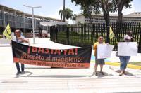 Manifestación en el Tribunal Federal en espera de Keleher