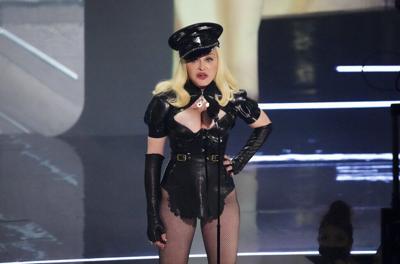 Madonna y Bieber inauguran los VMA