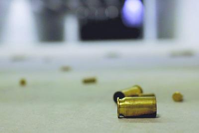 Tres heridos de bala deja tiroteo de carro a carro en Guayama