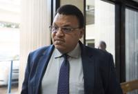 Encuentran causa para arresto contra exadministrador de Servicios Generales