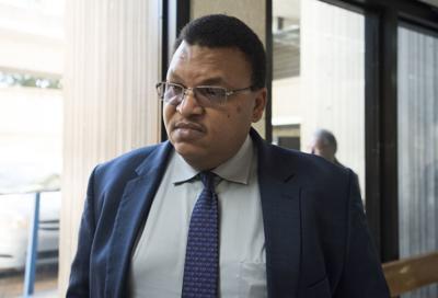 Causa para juicio contra exadministrador de Servicios Generales
