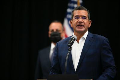 Gobernador ofrece conferencia tras sostener reunión sobre el covid-19