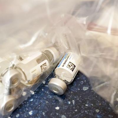Asesores de los CDC deciden cómo ampliar la vacunación de refuerzo contra el covid-19
