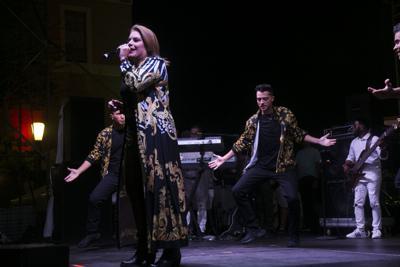 Olga Tañón fiestas.JPG
