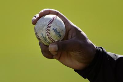 Pitchers serán suspendidos por alterar pelotas