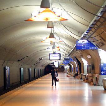 Dificultades de transporte se agravan por huelgas en Francia