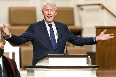 Hospitalizan al expresidente de los Estados Unidos Bill Clinton