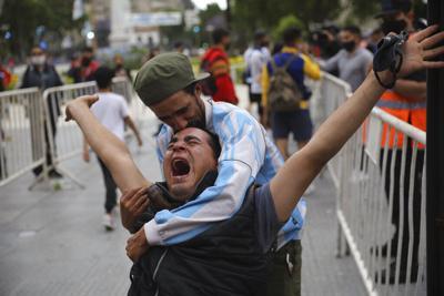 Argentina llora la partida de Maradona