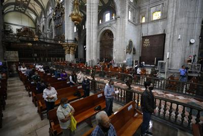 Reabren muchos templos católicos en la Ciudad de México
