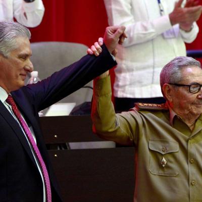 Miguel Díaz-Canel sucede a Castro al frente del Partido Comunista