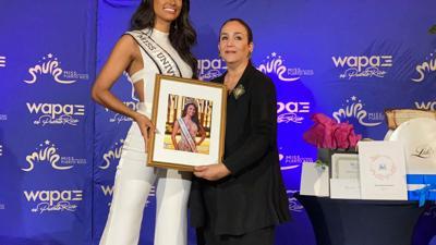 Miss Universe Puerto Rico recibe sus premios