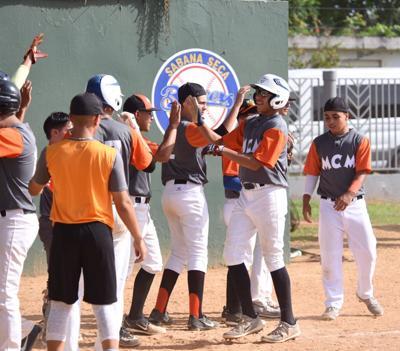 Escuela de Comerío arranca con victoria en los Juegos de Puerto Rico
