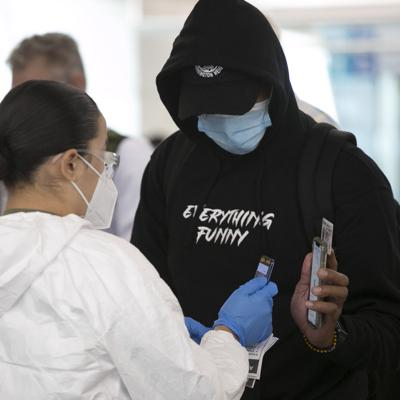 Estados Unidos planea exigir a visitantes extranjeros prueba de vacuna contra el covid-19