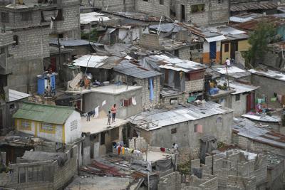 Haiti recibe sus primeras 500,000 vacunas contra el covid-19 en medio de la crisis por el asesinato de Moïse