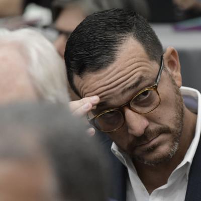 Pica y se extiende la polémica por el despido de Fernando Gil